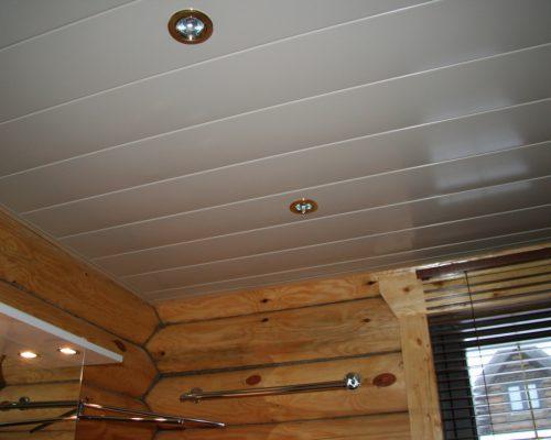 Обшивка потолка панелями цена за м2